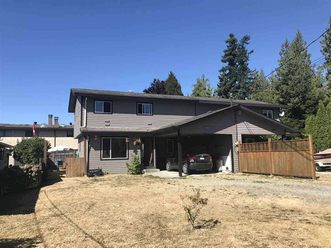Half-duplex at 805 PLEASANT PLACE, Sunshine Coast, British Columbia. Image 1