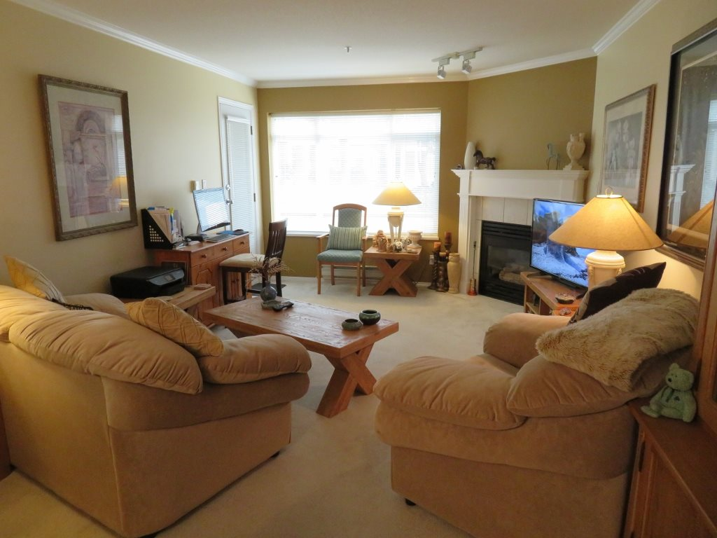Condo Apartment at 102 32075 GEORGE FERGUSON WAY, Unit 102, Abbotsford, British Columbia. Image 6