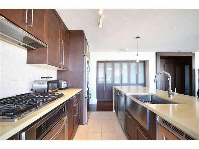 Condo Apartment at 3303 888 HOMER STREET, Unit 3303, Vancouver West, British Columbia. Image 5