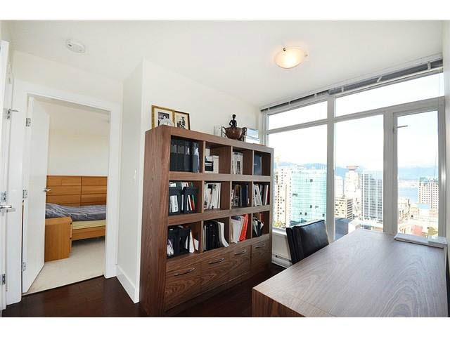 Condo Apartment at 3303 888 HOMER STREET, Unit 3303, Vancouver West, British Columbia. Image 8