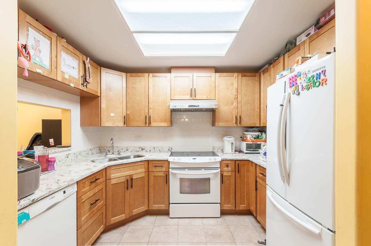 Condo Apartment at 107 7188 ROYAL OAK AVENUE, Unit 107, Burnaby South, British Columbia. Image 2