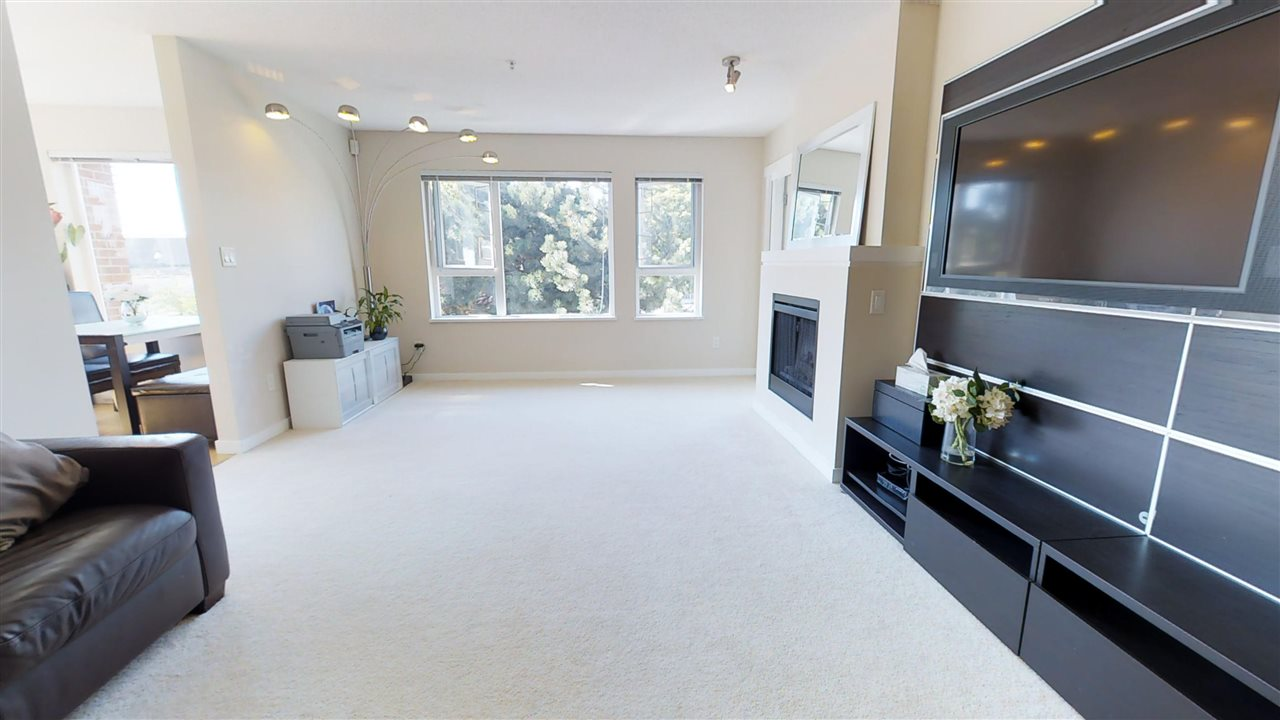 Condo Apartment at 308 4723 DAWSON STREET, Unit 308, Burnaby North, British Columbia. Image 3