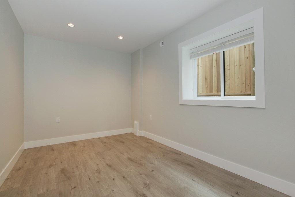 Half-duplex at 231 W 19TH STREET, North Vancouver, British Columbia. Image 17