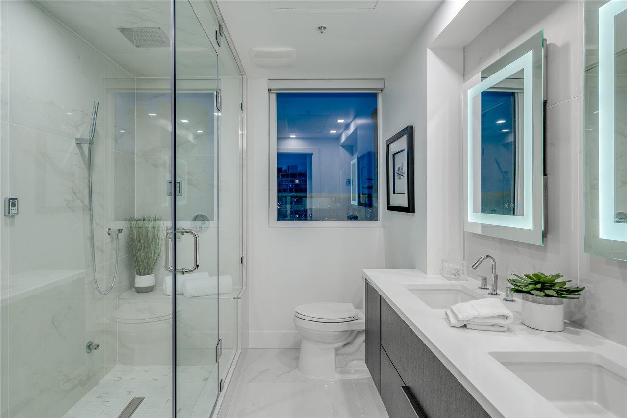 Condo Apartment at PH3 1188 HOWE STREET, Unit PH3, Vancouver West, British Columbia. Image 9