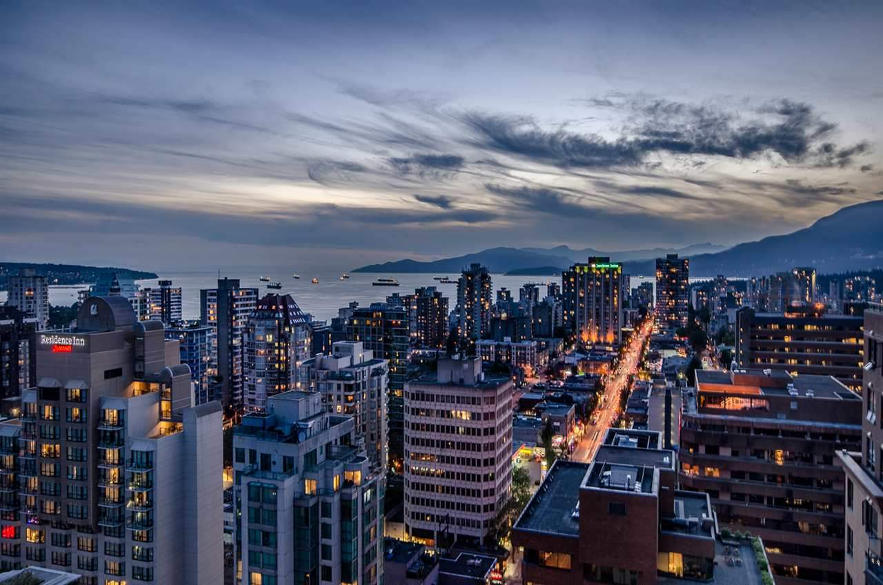 Condo Apartment at PH3 1188 HOWE STREET, Unit PH3, Vancouver West, British Columbia. Image 17
