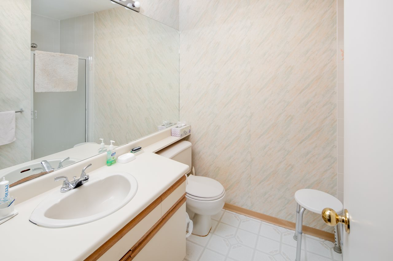 Condo Apartment at 304 7660 MINORU BOULEVARD, Unit 304, Richmond, British Columbia. Image 12