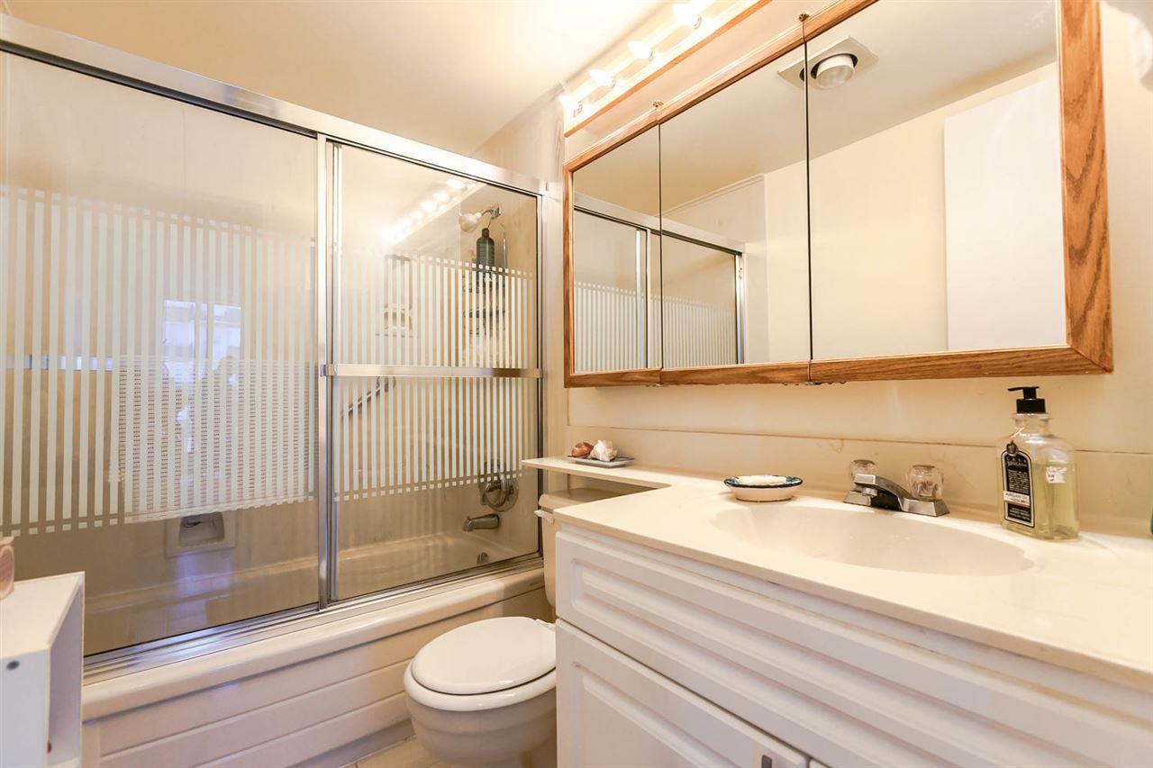 Condo Apartment at 1202 620 SEVENTH AVENUE, Unit 1202, New Westminster, British Columbia. Image 10