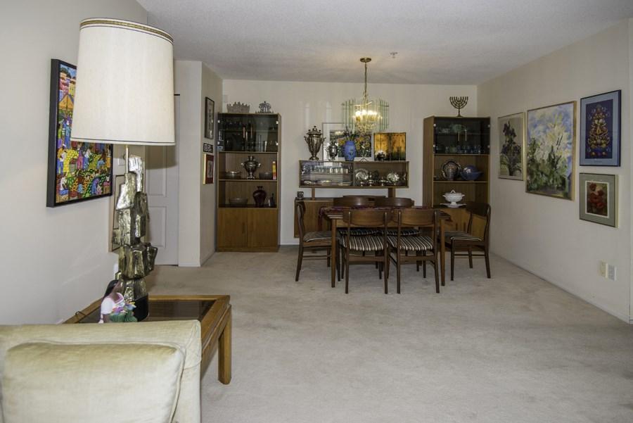 Condo Apartment at 303 7620 COLUMBIA STREET, Unit 303, Vancouver West, British Columbia. Image 5