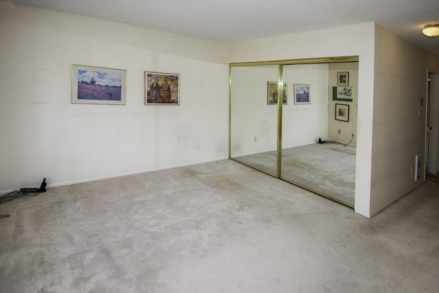 Condo Apartment at 303 7620 COLUMBIA STREET, Unit 303, Vancouver West, British Columbia. Image 9