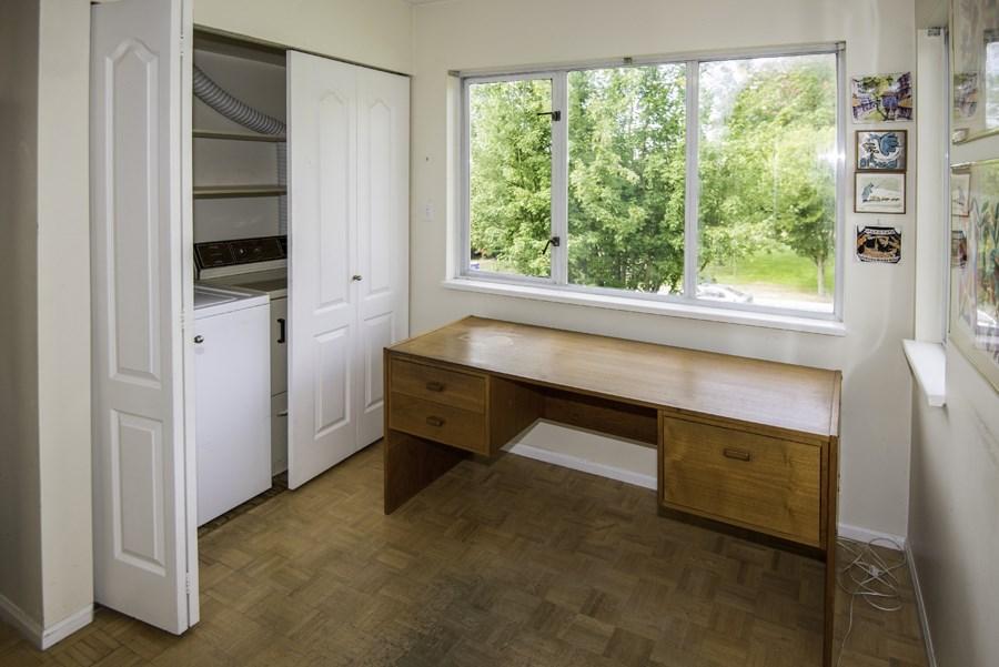 Condo Apartment at 303 7620 COLUMBIA STREET, Unit 303, Vancouver West, British Columbia. Image 13