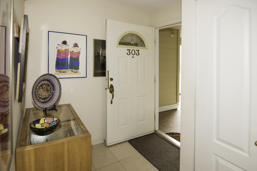 Condo Apartment at 303 7620 COLUMBIA STREET, Unit 303, Vancouver West, British Columbia. Image 14