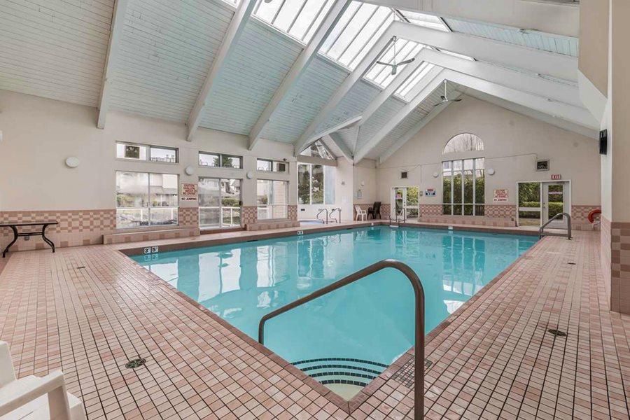 Condo Apartment at 303 7620 COLUMBIA STREET, Unit 303, Vancouver West, British Columbia. Image 17