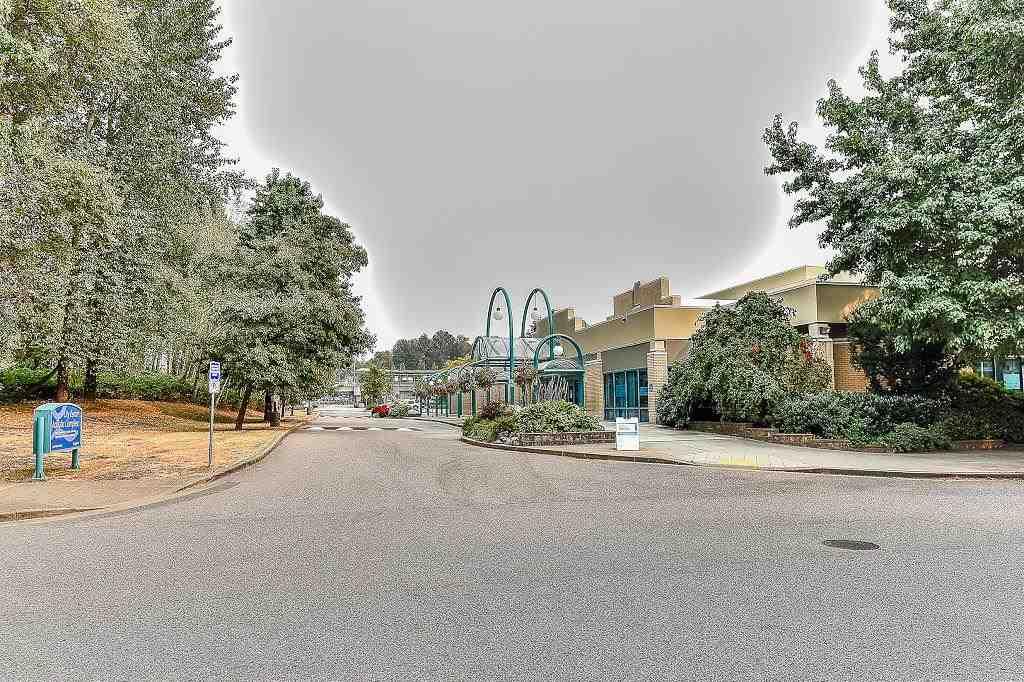 Condo Apartment at 205 2990 PRINCESS CRESCENT, Unit 205, Coquitlam, British Columbia. Image 2