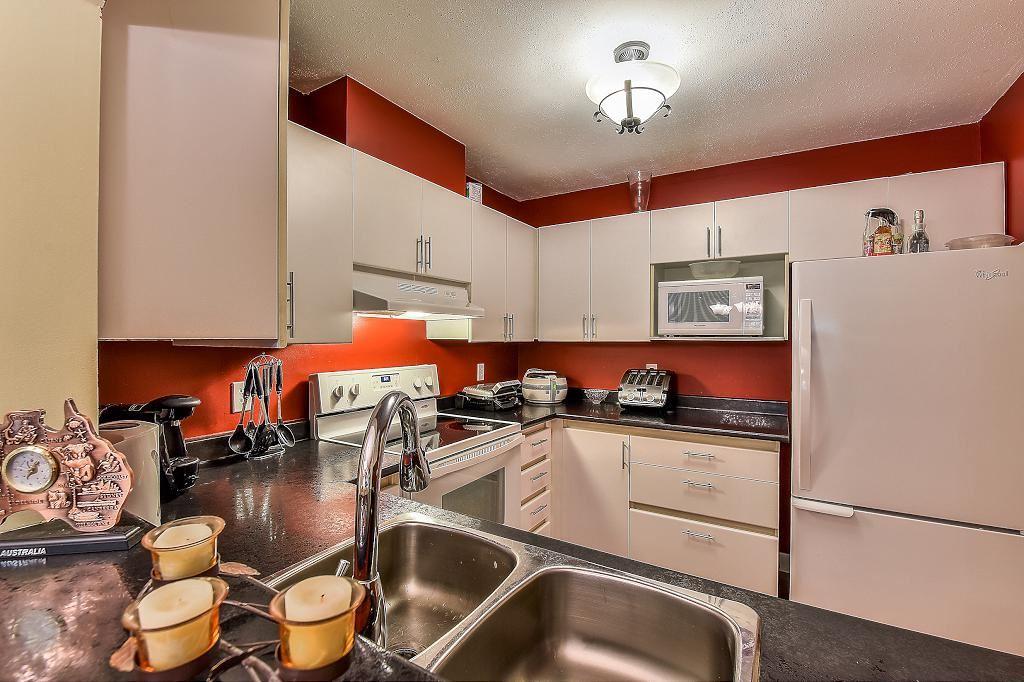 Condo Apartment at 205 2990 PRINCESS CRESCENT, Unit 205, Coquitlam, British Columbia. Image 14