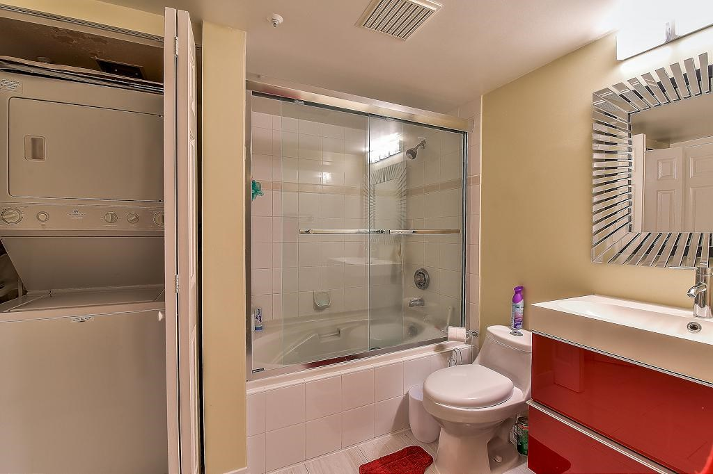 Condo Apartment at 205 2990 PRINCESS CRESCENT, Unit 205, Coquitlam, British Columbia. Image 16