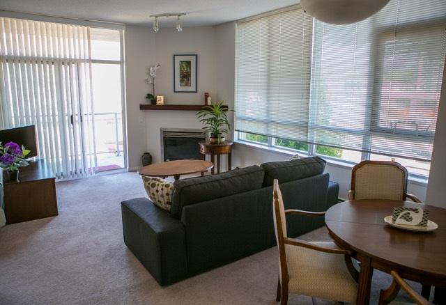 Condo Apartment at 403 120 W 16TH STREET, Unit 403, North Vancouver, British Columbia. Image 2