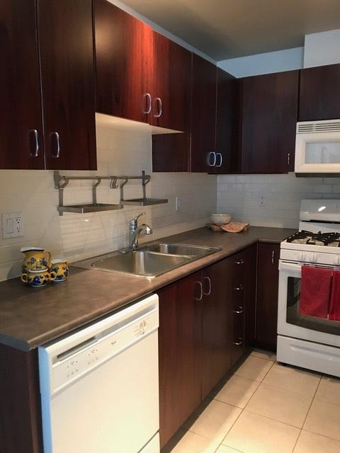 Condo Apartment at 403 120 W 16TH STREET, Unit 403, North Vancouver, British Columbia. Image 5