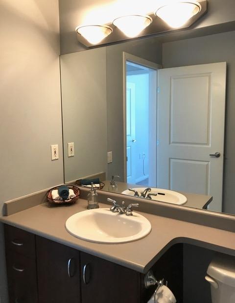 Condo Apartment at 403 120 W 16TH STREET, Unit 403, North Vancouver, British Columbia. Image 10