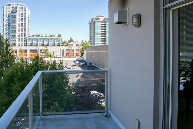 Condo Apartment at 403 120 W 16TH STREET, Unit 403, North Vancouver, British Columbia. Image 12