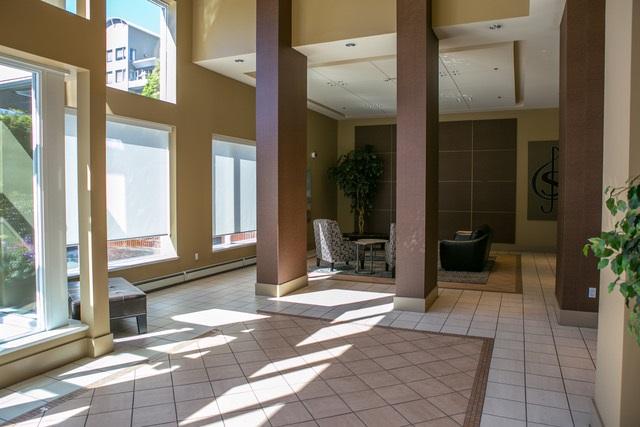 Condo Apartment at 403 120 W 16TH STREET, Unit 403, North Vancouver, British Columbia. Image 14