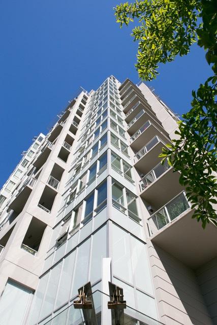 Condo Apartment at 403 120 W 16TH STREET, Unit 403, North Vancouver, British Columbia. Image 16