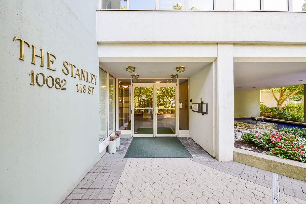 Condo Apartment at 1901 10082 148 STREET, Unit 1901, North Surrey, British Columbia. Image 2