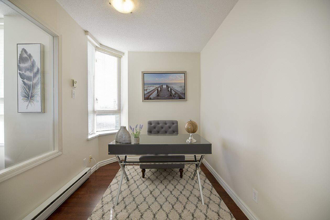 Condo Apartment at 1901 10082 148 STREET, Unit 1901, North Surrey, British Columbia. Image 6