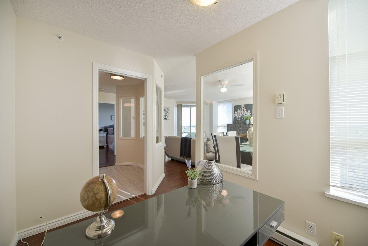 Condo Apartment at 1901 10082 148 STREET, Unit 1901, North Surrey, British Columbia. Image 7