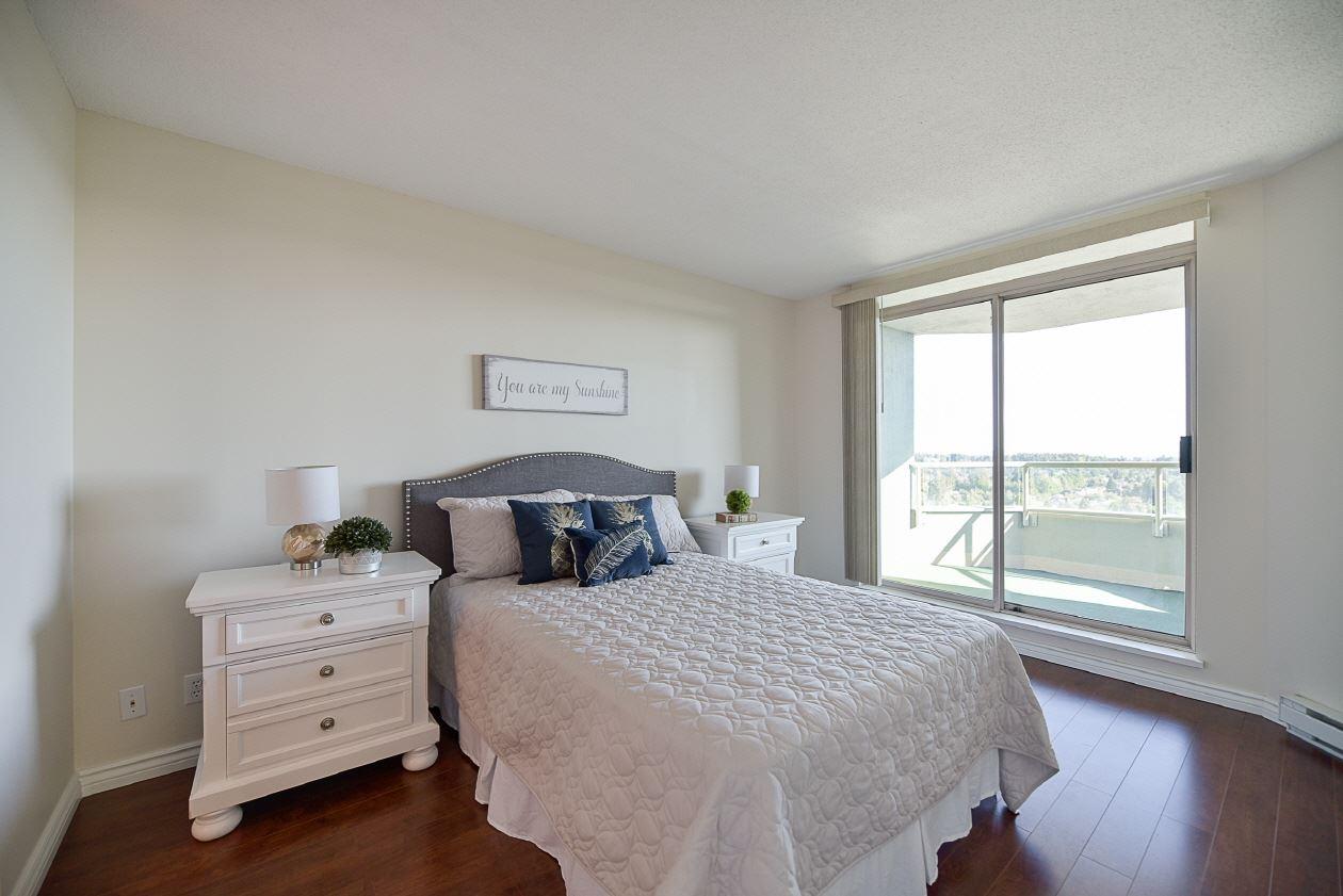 Condo Apartment at 1901 10082 148 STREET, Unit 1901, North Surrey, British Columbia. Image 12
