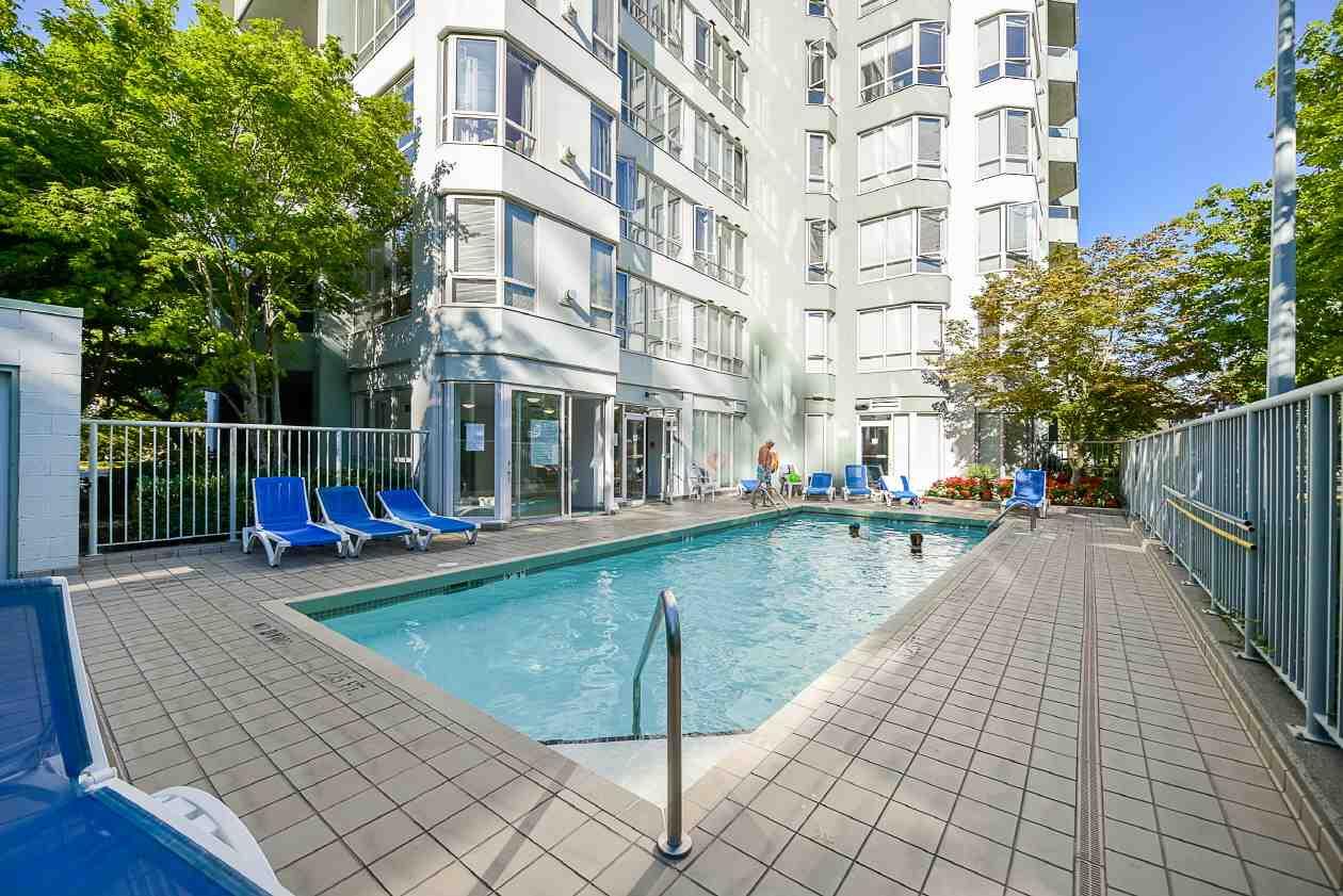 Condo Apartment at 1901 10082 148 STREET, Unit 1901, North Surrey, British Columbia. Image 19