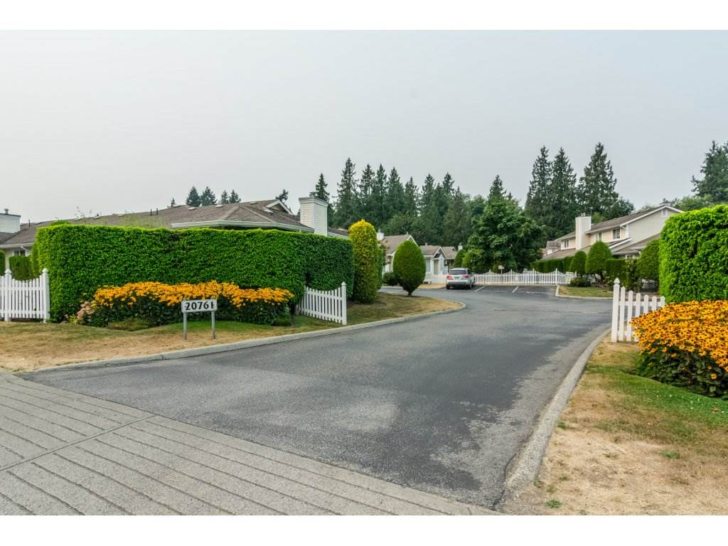 Townhouse at 42 20761 TELEGRAPH TRAIL TRAIL, Unit 42, Langley, British Columbia. Image 2
