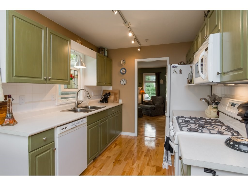 Townhouse at 42 20761 TELEGRAPH TRAIL TRAIL, Unit 42, Langley, British Columbia. Image 7