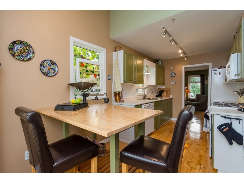 Townhouse at 42 20761 TELEGRAPH TRAIL TRAIL, Unit 42, Langley, British Columbia. Image 9