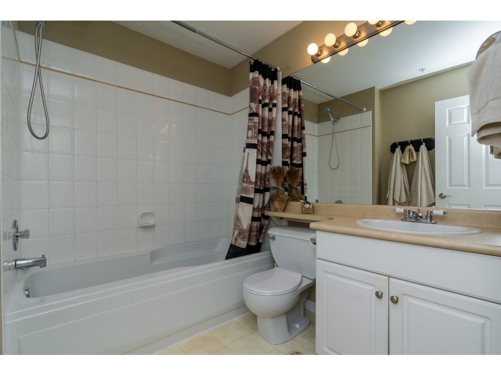 Townhouse at 42 20761 TELEGRAPH TRAIL TRAIL, Unit 42, Langley, British Columbia. Image 12