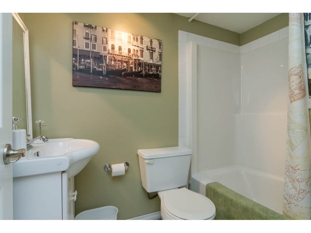 Townhouse at 42 20761 TELEGRAPH TRAIL TRAIL, Unit 42, Langley, British Columbia. Image 17
