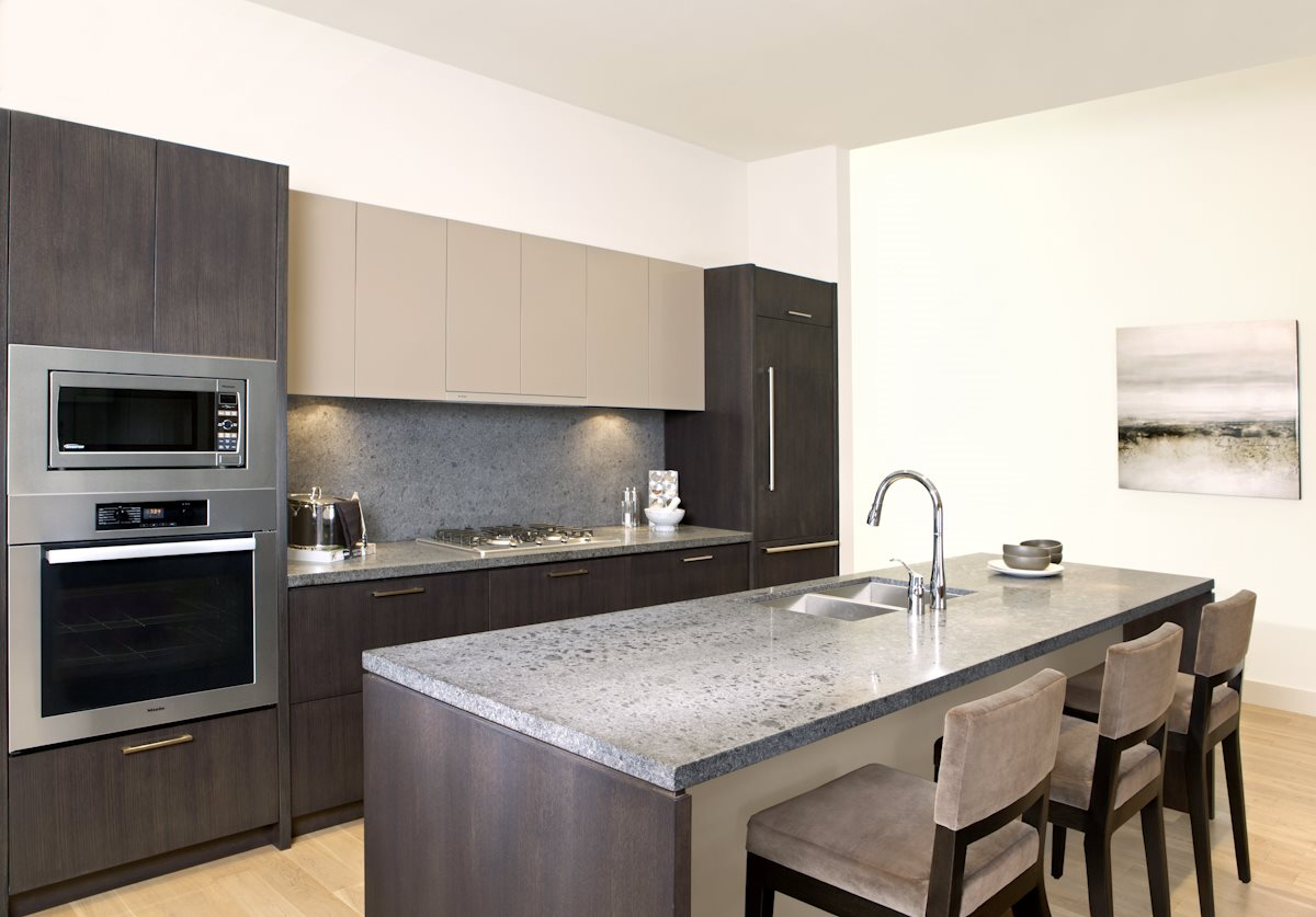 Condo Apartment at 204 768 ARTHUR ERICKSON PLACE, Unit 204, West Vancouver, British Columbia. Image 2