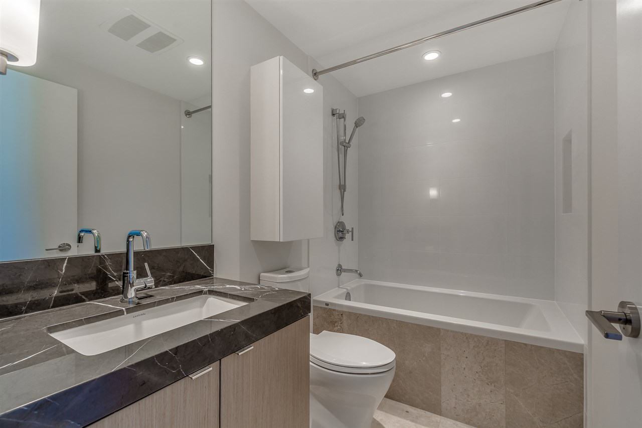 Condo Apartment at 1409 125 E 14TH STREET, Unit 1409, North Vancouver, British Columbia. Image 11