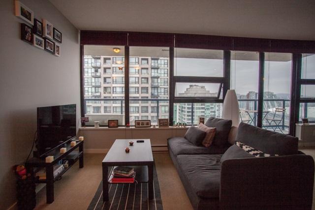 Condo Apartment at 2902 977 MAINLAND STREET, Unit 2902, Vancouver West, British Columbia. Image 2