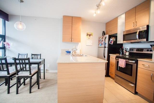 Condo Apartment at 2902 977 MAINLAND STREET, Unit 2902, Vancouver West, British Columbia. Image 4