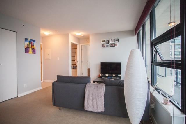 Condo Apartment at 2902 977 MAINLAND STREET, Unit 2902, Vancouver West, British Columbia. Image 8