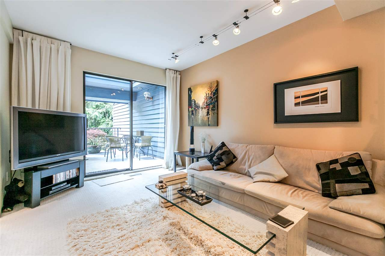 Townhouse at 836 HENDECOURT ROAD, North Vancouver, British Columbia. Image 3