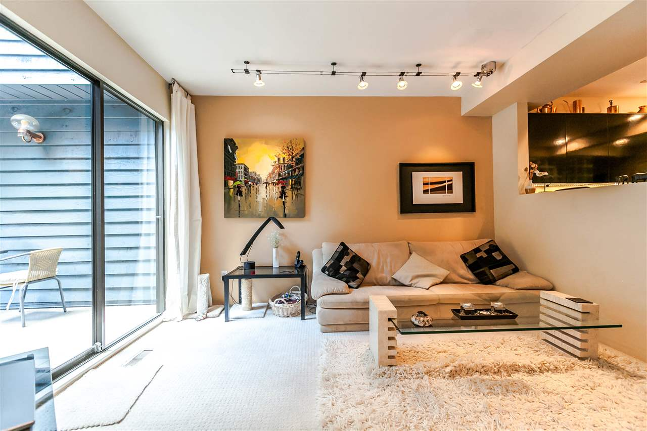 Townhouse at 836 HENDECOURT ROAD, North Vancouver, British Columbia. Image 4