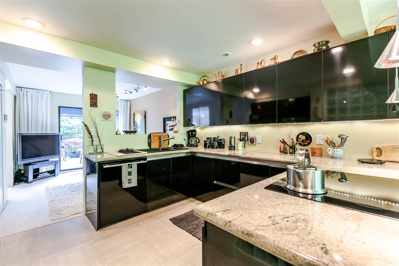 Townhouse at 836 HENDECOURT ROAD, North Vancouver, British Columbia. Image 8