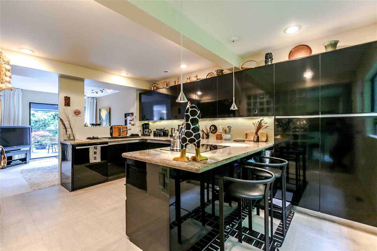Townhouse at 836 HENDECOURT ROAD, North Vancouver, British Columbia. Image 9