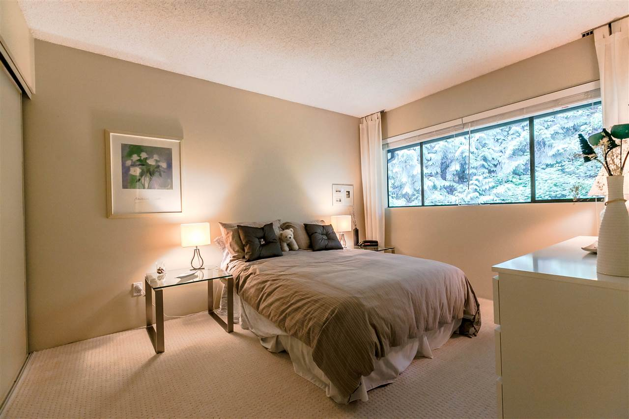 Townhouse at 836 HENDECOURT ROAD, North Vancouver, British Columbia. Image 13