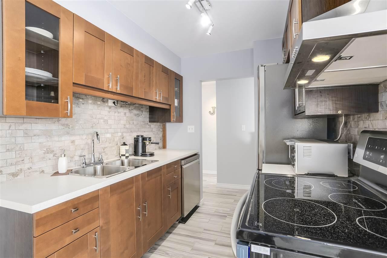 Condo Apartment at 906 2041 BELLWOOD AVENUE, Unit 906, Burnaby North, British Columbia. Image 7