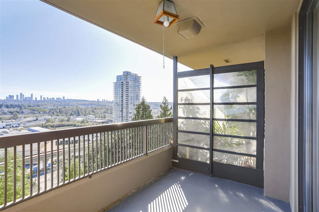 Condo Apartment at 906 2041 BELLWOOD AVENUE, Unit 906, Burnaby North, British Columbia. Image 14