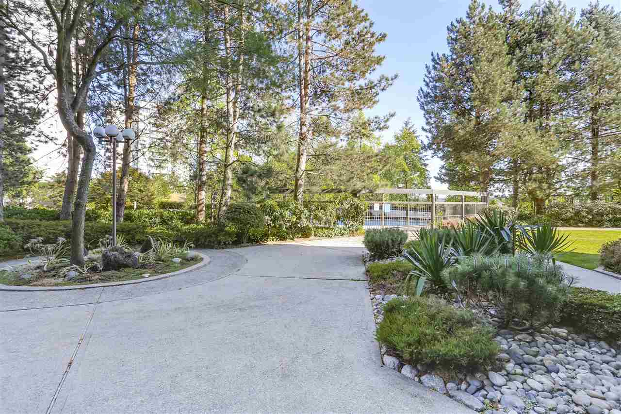 Condo Apartment at 906 2041 BELLWOOD AVENUE, Unit 906, Burnaby North, British Columbia. Image 15