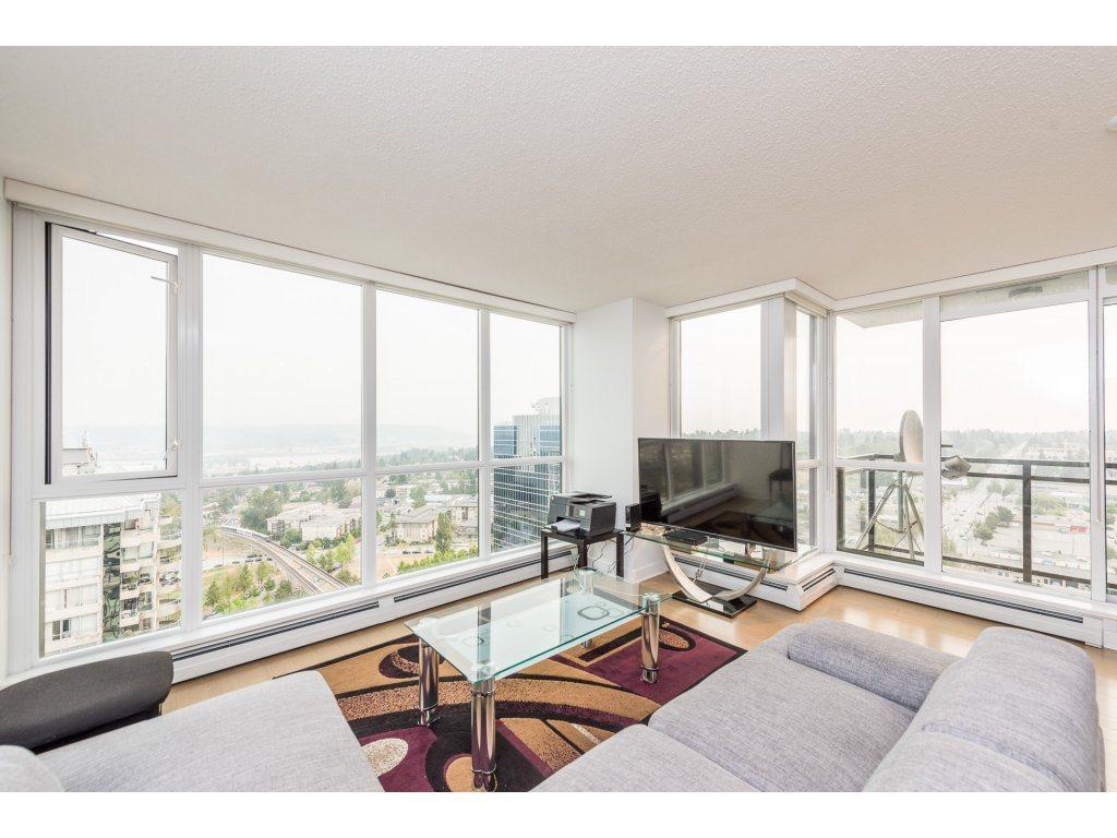 Condo Apartment at 2410 10777 UNIVERSITY DRIVE, Unit 2410, North Surrey, British Columbia. Image 3