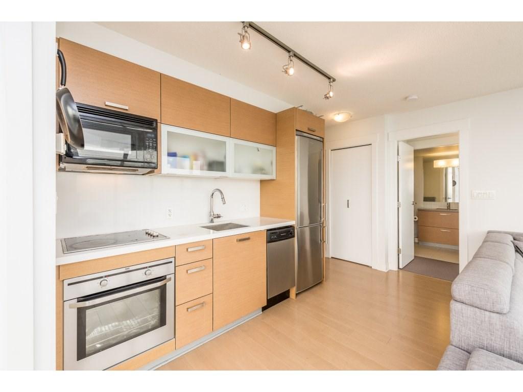 Condo Apartment at 2410 10777 UNIVERSITY DRIVE, Unit 2410, North Surrey, British Columbia. Image 7